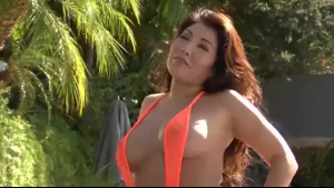 Big assed goddess gives a sinful whimpydose in the pool