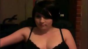 Blue eyed lira female slut gets massaged and sperm covered